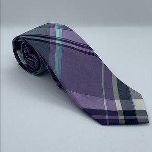 Men's banana republic plaid tie.